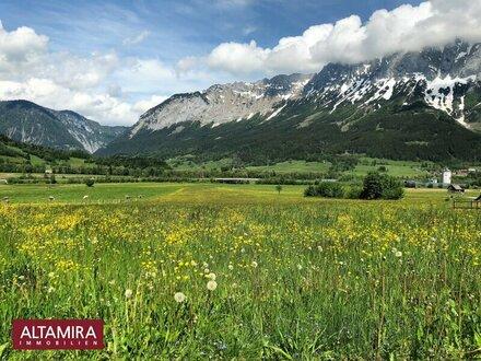 Großes Grundstück in sonniger Lage mit Aussicht auf die Bergwelt des Ennstales