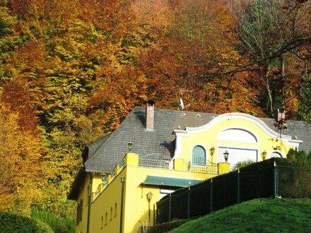 Gediegene Luxusvilla mit Postkartenausblick auf Salzburg
