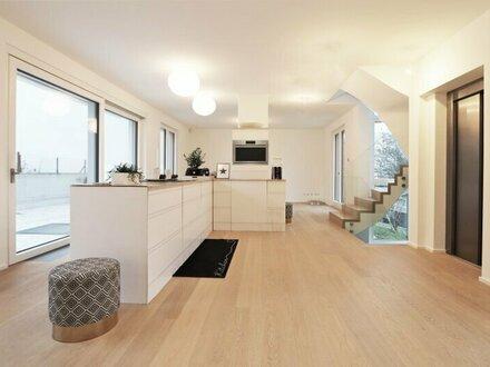 Modernes TOWNHOUSE mit Lift auf 5 Ebenen