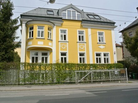 Sehr charmantes Büro in Jahrhundertwende Villa