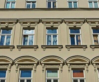 RARITÄT! Sanierungsbedürftige Altbauwohnung mit Balkon