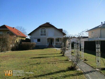 Großzügige Villa mit 300m² Wfl. und ca. 2.278m² parkähnlichem Garten
