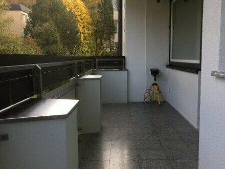 Schicke 3 Zi.-Wohnung mit großem Balkon