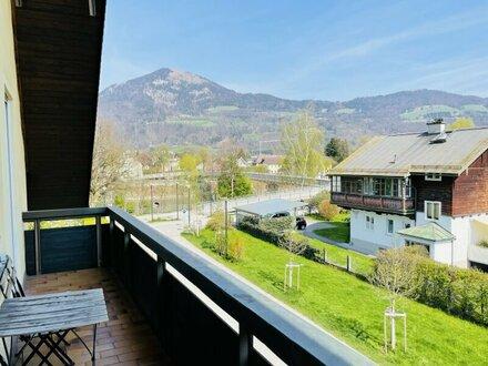 3 Zi. Dachgeschosswohnung mit zwei Balkonen - möbliert und liebevoll renoviert - Salzach- & Bergblick