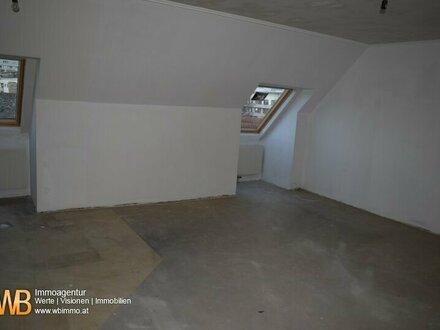 Belagsfertige DG Wohnung zur Sanierung! Perfekter Grundriss! 3 westseitige Zimmer!