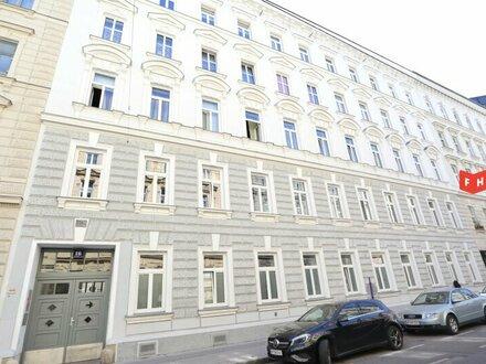 Vermietet wird ein helles Büro mit großzügiger Hofterrasse