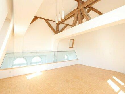 Lichtdurchflutete 3-Zimmer-Maisonette-Wohnung mit Balkon und Galerie