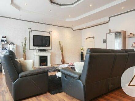 Viel Platz für die ganze Familie auf rund 270m2 Wohnfläche!