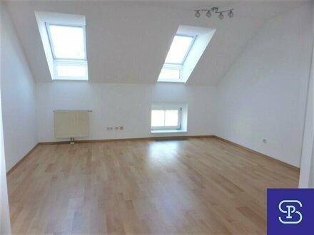 Unbefristete 45m² Dachwohnung mit Einbauküche und Lift - 1130 Wien