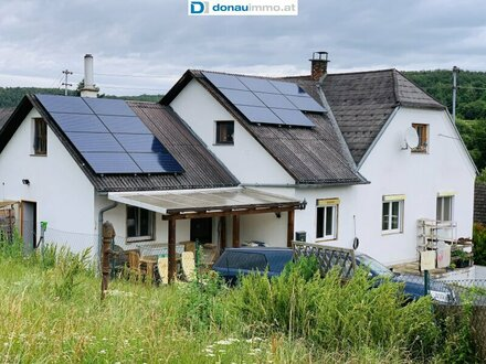 Einfamilienhaus in idyllischer Lage, großes Grundstück - Tierhaltung (zB Pferdehaltung unter Auflagen) möglich, zwei gr…