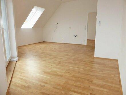 Unbefristete 78m² DG-Wohnung + 9m² Terrasse in Parknähe!