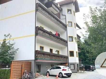 Wohnung mit Balkon und Bergblick