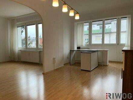Absolut ruhig gelegene Wohnung mit verglaster Loggia ++ PARKPLATZ ++