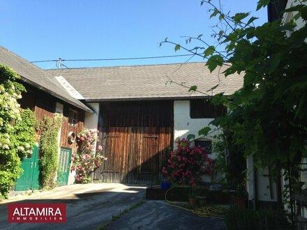 Landleben bevorzugt? Großzügiges Haus mit Stall und Nebengebäude - Gesamt über 6000m² Grundstücksfläche!