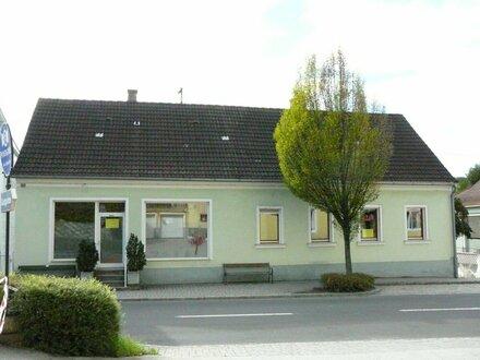 Wohnhaus mit Gewerbeeinheit in Olbendorf