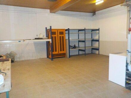 Geräumige Hobbywerkstatt/ Garage/ Lager (ca. 45m²) - bei Bedarf mit einem zusätzlichen Kellerraum erweiterbar - Nähe von…