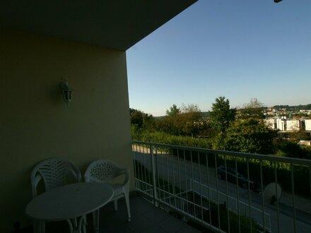 Günstige sonnendurchflutete Mietwohnung mit Balkon mitten in Oberwart. Aussichtslage, Ruhelage!