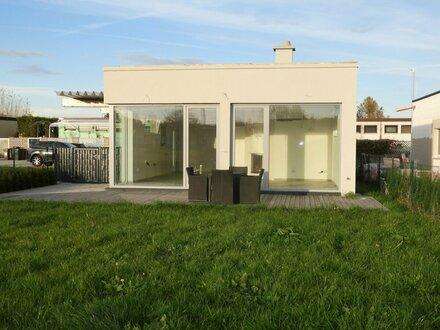 Wunderschöner, neuer Bungalow auf Pachtgrundstück - Nähe Wr. Neustadt - Zugang zum Badesee in der Nähe
