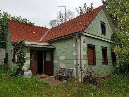 Landhaus in leicht erhöhter Lage