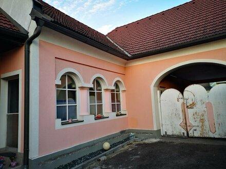 Wohnhaus mit Garten und Nebengebäude Nähe Pinkafeld