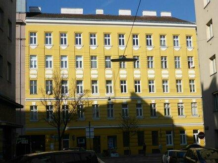 Schöne Altbauwohnung- 1Zimmer- ca 32 m²- 3,10m Deckenhöhe