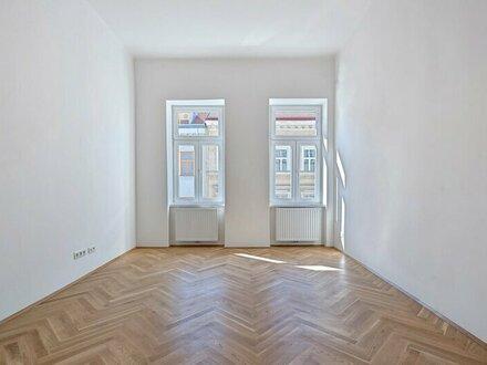 ERSTBEZUG: traumhafte Altbauwohnung mit Balkon