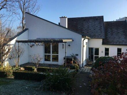 Winzerhaus topsaniert – mit zusätzlichem Baugrund für ein Einfamilienhaus