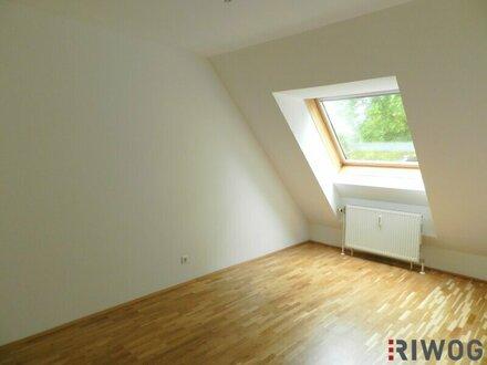SONNIG und hofseitig- 3-Zimmer WG-Wohnung