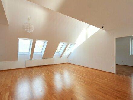 Dachgeschoß mit 2 Terrassen, klimatisiert! 4-Zimmer-Maisonette Nähe Augarten