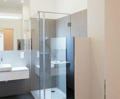 Hochwertige Ausstattung + Perfekte Kleinwohnung! Top sanierter Erstbezug in liebevoll renoviertem Altbauhaus! Nicht lange…