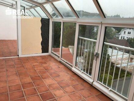 Freundliche Zwei-Zimmerdachgeschoss-Wohnung mit Wintergarten 3400 Klosterneuburg