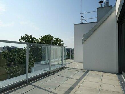 VORSRGE - Sonnige DG Wohnung auf einer Ebene - Klimaanlage und Garage möglich