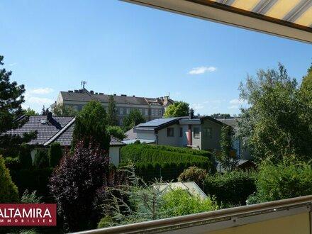 Alles DA! Sonnenloggia, Fenster auf 2 Seiten, wunderbare Aussicht, Ruhe, Lift, ... Nur SIE fehlen noch!
