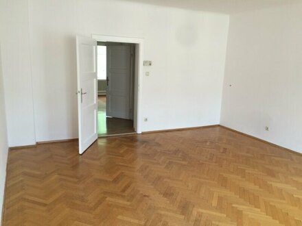 2-Zimmer-Wohnung mit Balkon in der Wolf-Dietrich-Straße