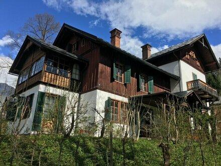Historische Salzkammergut-Villa direkt am Altauseer See!