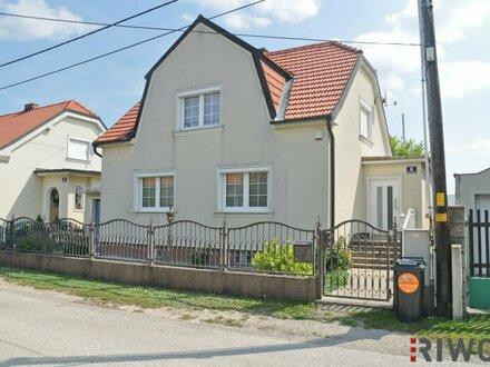 Topsaniertes Einfamilienhaus in ruhiger Lage mit großem Garten