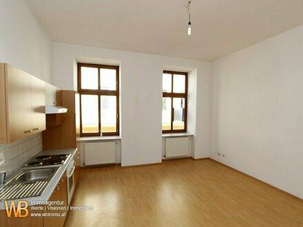 Helle & freundliche 2 Zimmer Nähe Rudolfstiftung im sanierten Altbau, 1.Liftstock