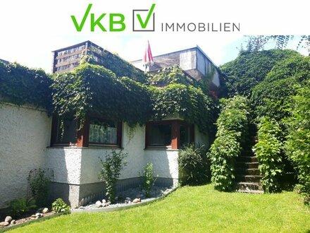 Schönes geräumiges Architektenhaus in Hanglage, mit Büro-Therapie- und Praxismöglichkeit!