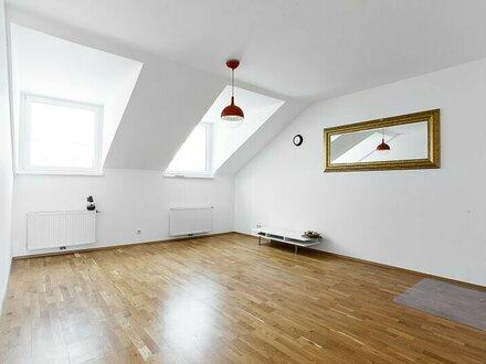 4-Zimmer-Dachgeschosstraum Nähe Hamerlingpark