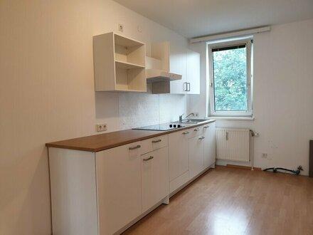 3 Zimmerwohnung in Ruhelage Nähe Kagraner Platz - WG geeignet