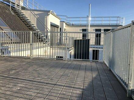 HIT !!! Dachgeschosswohnung mit 3-Zimmern, Klimaanlage und großer Terrasse