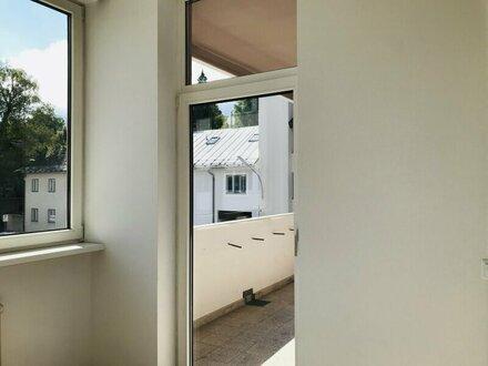 Helle 3 Zimmer Wohnung mit Balkon - sehr zentral und renoviert (Nr.HW45400)