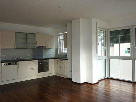 Elsbethen: Helle 4-Zimmer-Wohnung mit Südbalkon!