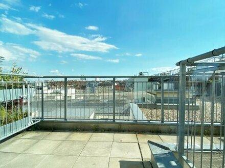 Perfekt angebundene Dachgeschosswohnung mit sonniger Innenhofterrasse - ab sofort verfügbar!