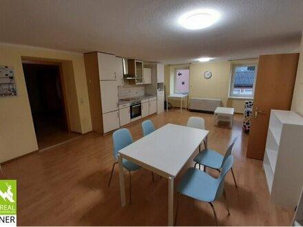 Große geräumige 135 m²- Mietwohnung mit zentraler Lage