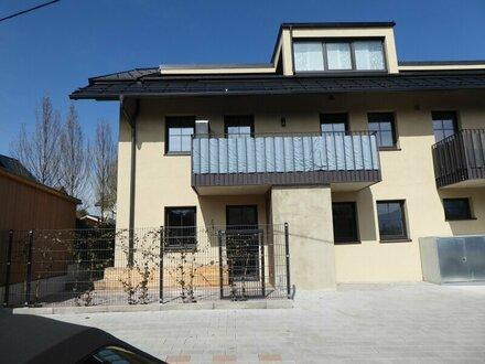 Sonnige neuwertige 4 Zimmer Terrassen Wohnung in Alt-Liefering