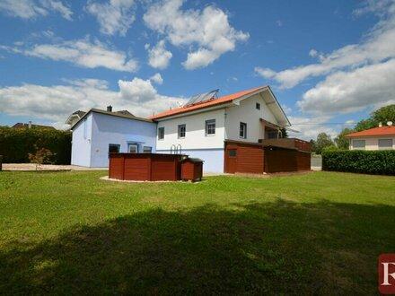 Familienglück - Sonniges Einfamilienhaus inklusive Doppelgrund