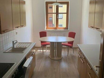 3 Zimmer Wohnung in zentraler Lage sucht neuen Bewohner !!