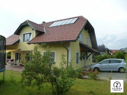 Großzügiges Haus in Seekirchen mit Einliegerwohnung - extra Büro - oder separater Praxis