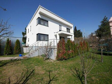 Platz für die ganze Familie! Moderne Villa am Fuße des Wilhelminenbergs!